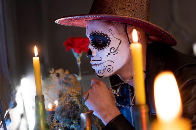 UniqUnique Halloween Party Themes Day of the Dead